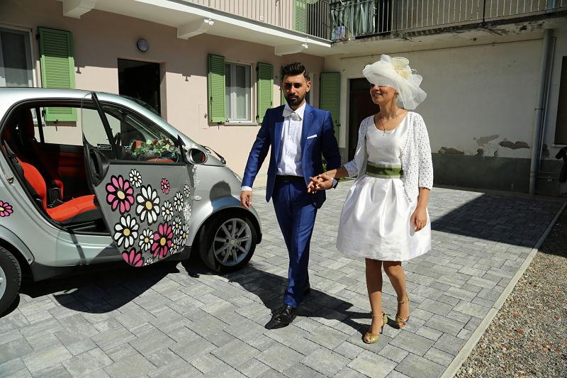 sposi felici in smart
