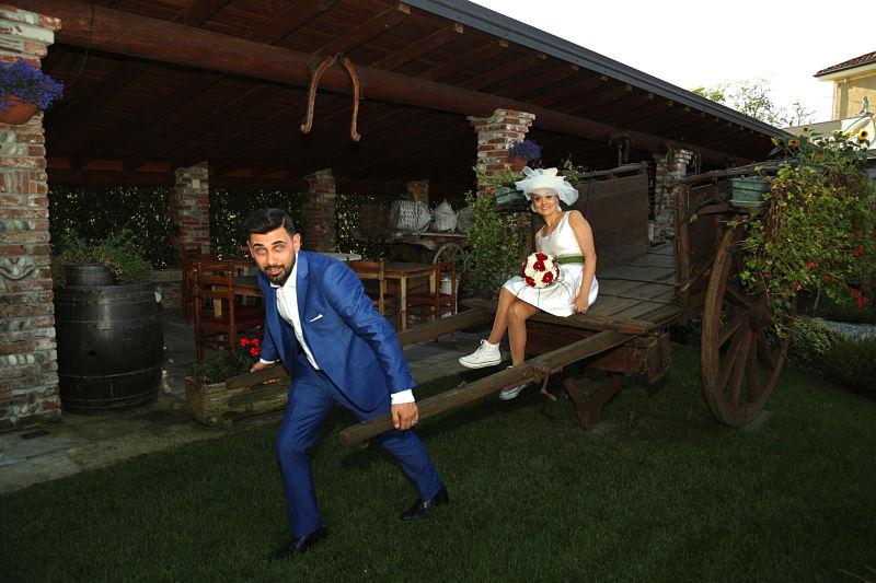 sposi felici al Ristorante trattoria del ristoro ️a Oleggio