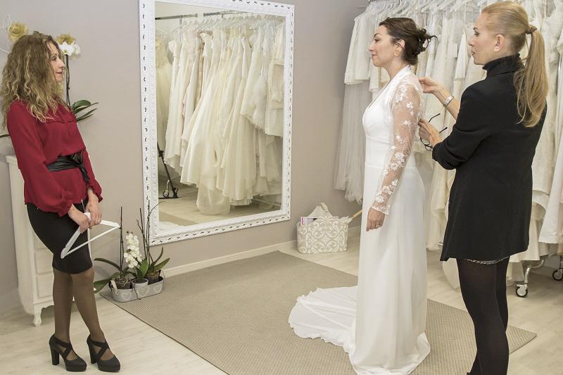 abiti da sposa 2018 modelli a colonna di LT sposa, Riolo
