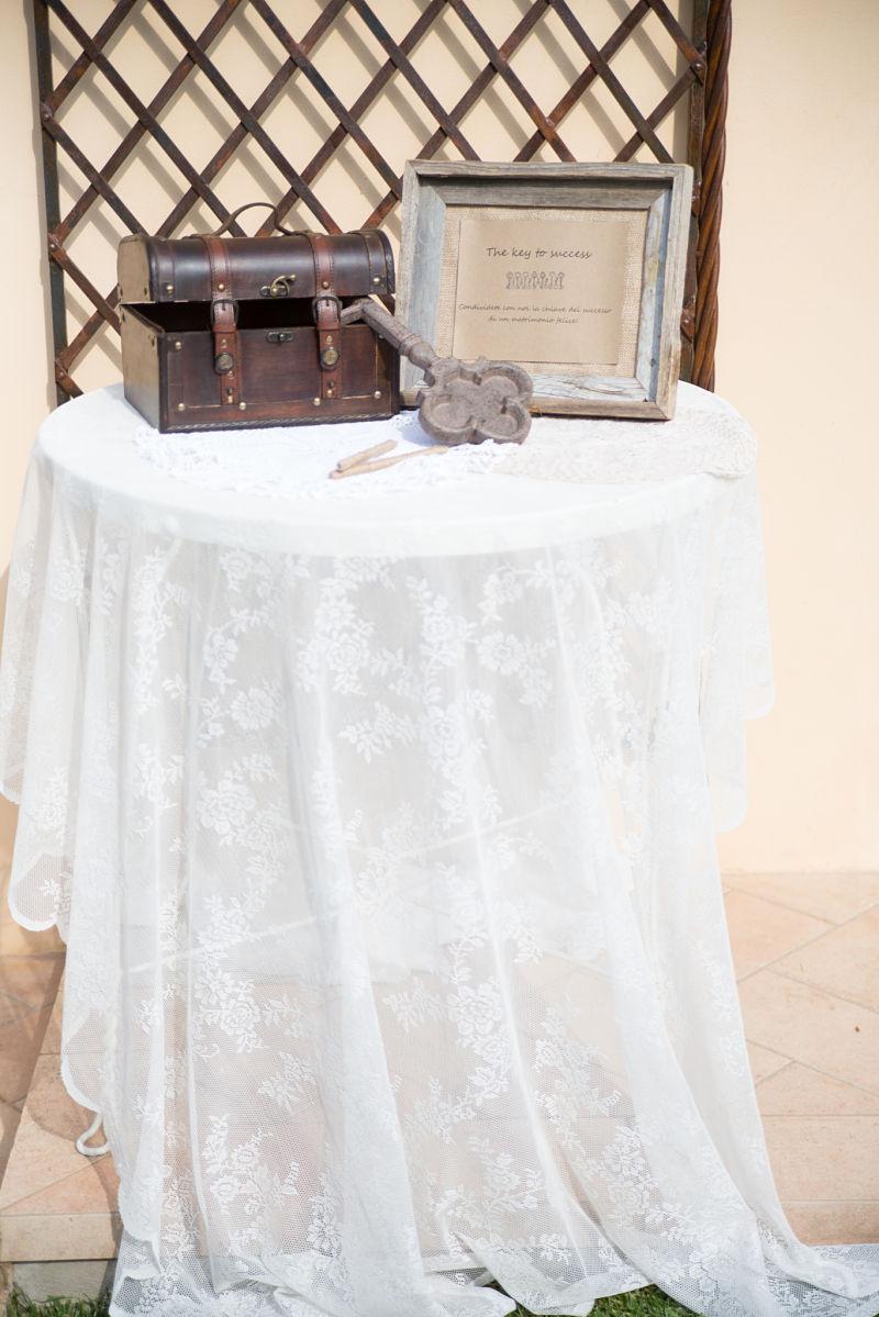 allestimento tavolo matrimonio rustico a Bologna