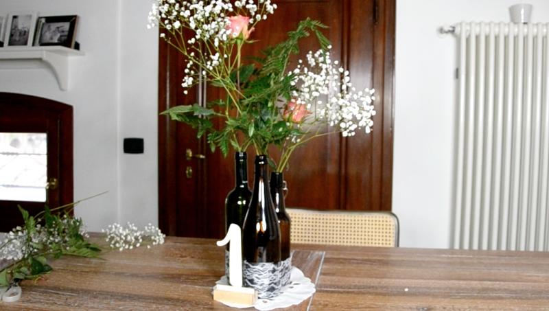Tutorial centrotavola rustico con le bottiglie di vino