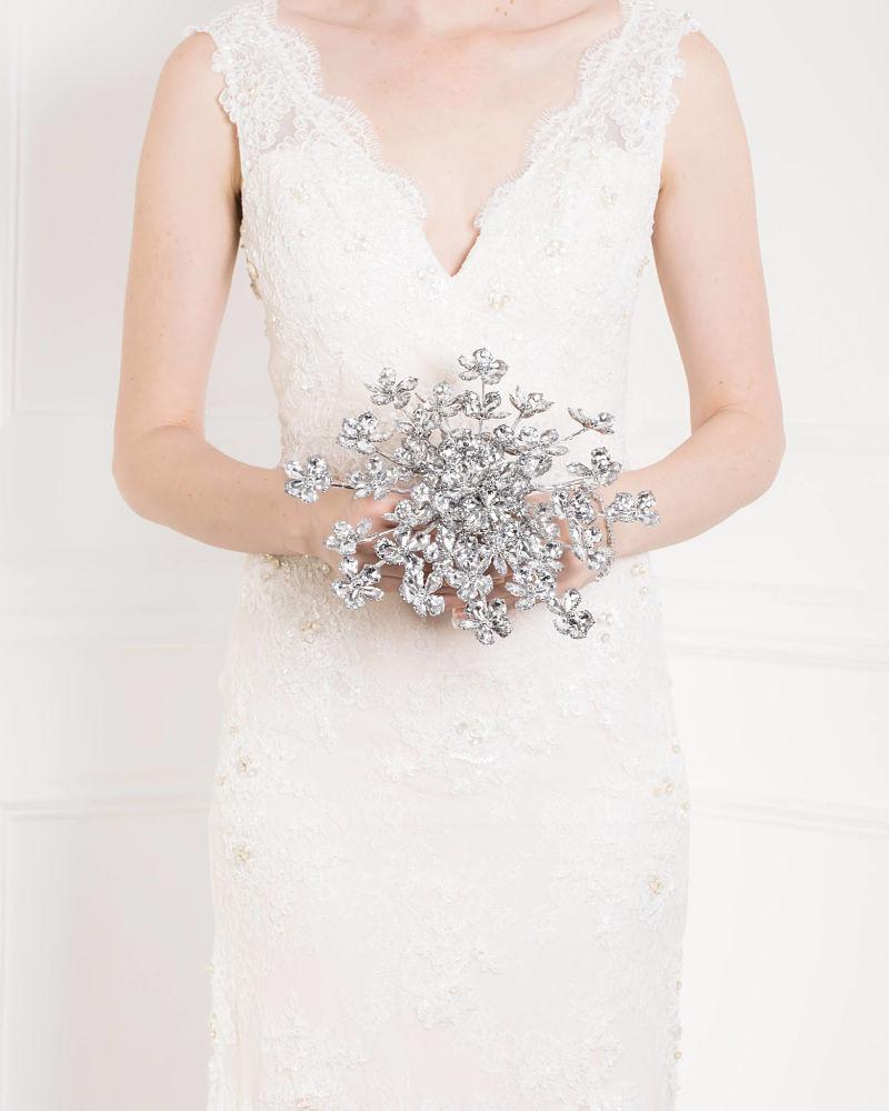bouquet sposa alternativi con fiori di metallo