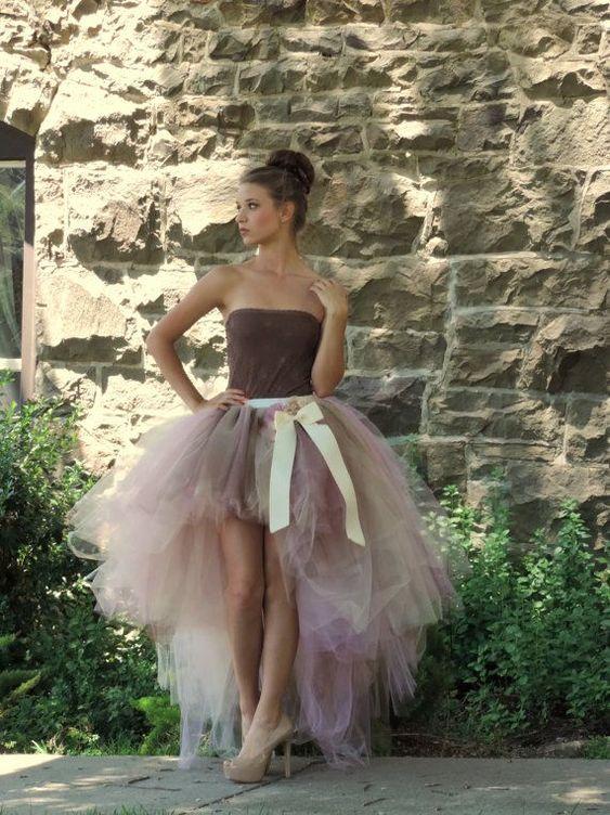 abito da sposa corto colorato in tulle