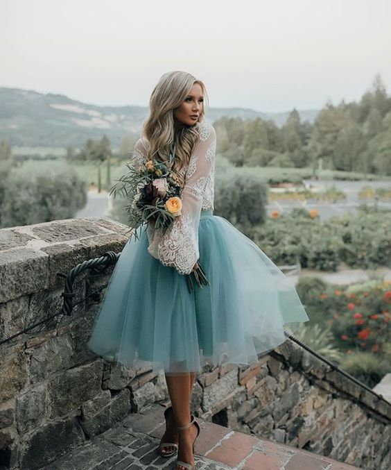 abito sposa corto con gonna in tulle