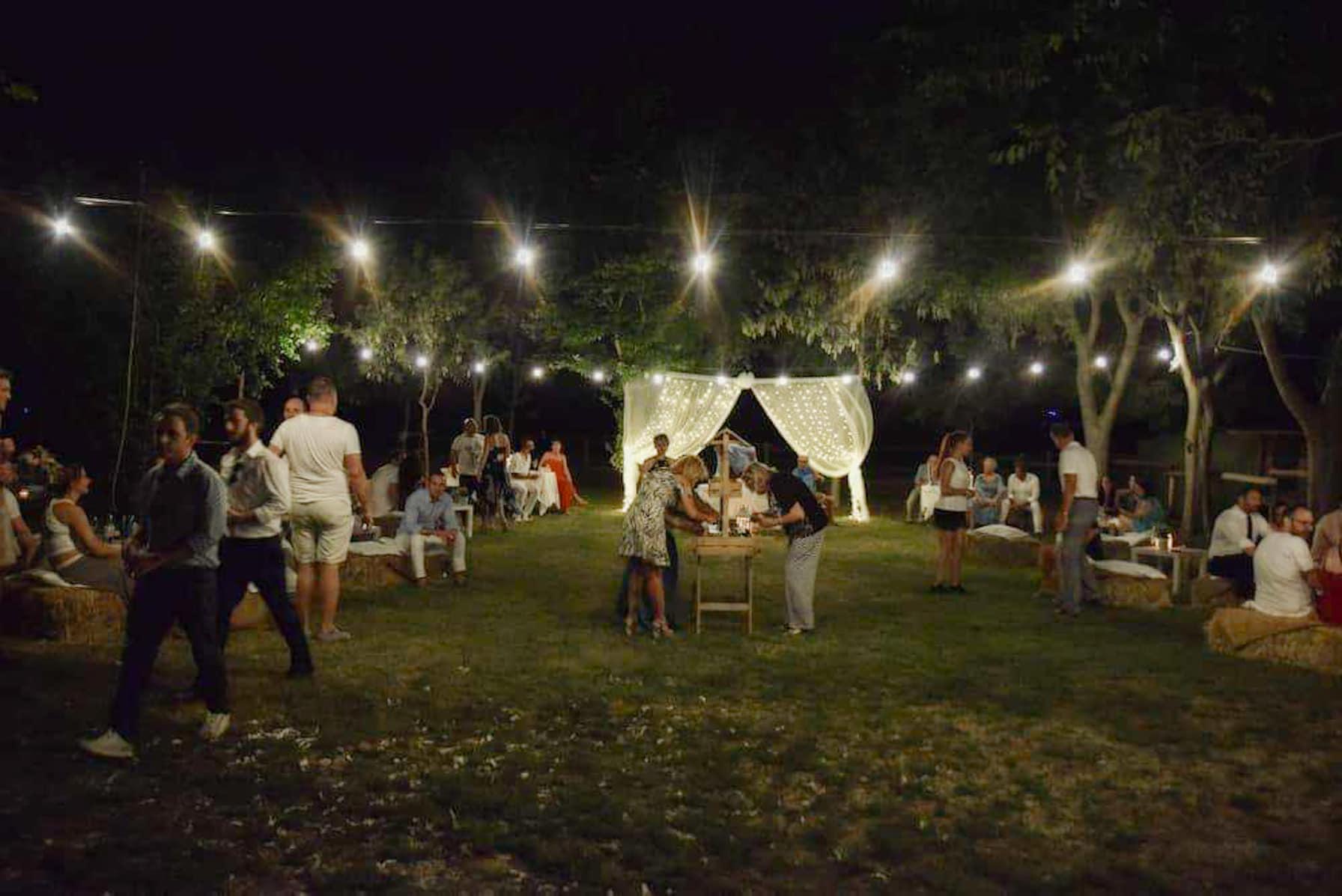 allestimento matrimonio semplice in giardino